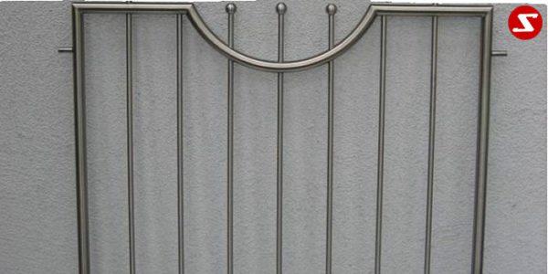 Fenstergitter sind eine gute Einbruchsicherheit. Fenstergitter als Einbruchschutz bestellen. Einbruchschutz mit senkrechten Sprossen kaufen. Einbruchschutz mit vertikalem Reling bestellen. Bestellen Sie günstig Fenstergitter. Unsere Fenstergitter sind zeitlos und pflegeleicht. Einfache Bestellung Fenstergitter. Günstige Fenstergitter. Fenstergitter einfache Montage. Wir bieten wunderschöne Fenstergitter als Einbruch Sicherheit. Bestellen Sie Fenstergitter aus Aluminium. Bestellen Sie Fenstergitter aus Edelstahl. Bestellen Sie günstig Fenstergitter. Bestellen Sie Fenstergitter aus Edelstahl. Bestellen Sie günstig ihre Fenstergitter aus Niro. Bestellen Sie günstig ihr Fenstergitter aus Stahl. Bestellen Sie unkompliziert ihr Fenstergitter aus Stahl. Praktische Fenstergitter mit senkrechten. Fenstergitter mit vertikalen Stäben kaufen. Elegante Fenstergitter kaufen. Moderne Fenstergitter bestellen. Qualitative Fenstergitter mit senkrechten Sprossen. Wunderschönes Design für Fenstergitter mit senkrechten Sprossen. Höchste Qualität der Fenstergitter mit senkrechten Sprossen. Einfache Bestellung Fenstergitter mit senkrechten Sprossen. Fenstergitter mit senkrechten Sprossen schnelle Abwicklung. Einbruchschutz mit vertikalem Reling faire Preise. Einbruchschutz mit vertikalem Reling Produktion nach Kundenwunsch. Einbruchschutz mit vertikalem Reling und Maß. Einbruchschutz mit vertikalem Reling. Fenstergitter gegen Einbruch mit senkrechten Sprossen. Fenstergitter mit vertikalem Reling kaufen. Fenstergitter mit Draht aus Edelstahl. Fenstergitter aus Stahl verzinkt. Fenstergitter aus Aluminium. Fenstergitter Höchste Qualität. Fenstergitter faire Preise. Fenstergitter günstige Preise. Fenstergitter Einfache Abwicklung. Schlosser für Fenstergitter. Schlosserei für Fenstergitter. Fenstergitter Hersteller.Fenstergitter-Nr.-SS 6