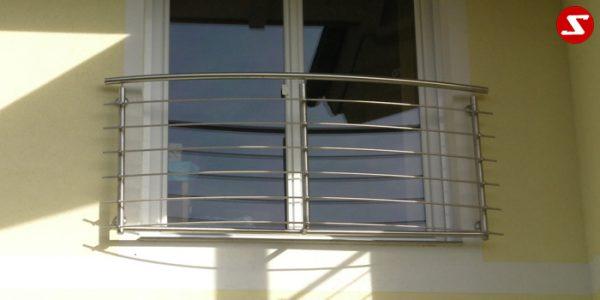 Französische Balkone sind eine Absturzsicherung für Bodentiefen Fenster und Türen. Unsere hoch qualitative französische Balkone kann man mit waagrechten Sprossen, quer Stangen bestellen. Bestellen Sie günstig und unkompliziert ihren französischen Balkon. Unsere französische Balkone sind zeitlos und pflegeleicht. Einfache Bestellung und Abwicklung. Günstige Preise. Einfache Montage des französischen Balkons. Bestellen Sie günstig ihren Balkon aus Aluminium, Edelstahl-Niro oder Stahl. Französischer Balkon ist modernen und praktisch. Sehr eleganter, moderner und hoch qualitativer französischer Balkon gibt Ihrem Haus ein wunderschönes Design. Höchste Qualität. Einfache Bestellung und schnelle Abwicklung. Faire Preise. Produktion nach Kundenwunsch und Maß. Französischer Balkon mit waagrechten sprossen-horizontalen Sprossen, -quer Reling-Draht aus Edelstahl, Stahl verzinkt oder Aluminium. Französischer Balkon Nr. WS1 #3