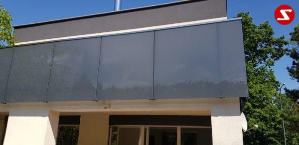 Balkongeländer mit Glas. Terrassen-Geländer mit Sicherheitsglas. Treppen-Geländer mit Sicherheitsglas. Absturzsicherung mit Glasplatten. Balkongeländer mit Glas und Aluminium. Terrassen-Geländer aus Stahl verzinkt. Geländer günstig kaufen. Geländer-Design mit Glas. Günstiges Geländer mit Sicherheitsglas VSG, ESG, ESG/VSG. Edelstahl Sicherheitsgeländer für Balkone und Terrassen. Geländer einfach Bestellen. Geländer günstige Preise. Einfache Geländer Montage. Absturzsicherung mit Sicherheitsglas. Geländer- Design. Geländer als Windschutz und Sichtschutz. Edelstahl Geländer für Balkone. Geländer pflegeleicht. Balkongeländer. Terrassen-Geländer mit Sicherheitsglas. Geländer hohe Qualität. Einfache Geländer Bestellung. Geländer gute Preise. Geländer Produktion nach Kundenwunsch und Maß. Geländer mit Glas. Geländer mit Klemm-Glas-Halter. Geländer mimt Sicherheitsglas mit Punkthalter. Geländer Löchern im Sicherheitsglas..Balkongeländer mit Glas. Terrassen-Geländer mit Sicherheitsglas. Treppen-Geländer mit Sicherheitsglas. Absturzsicherung mit Glasplatten. Aluminium. Stahl verzinkt. Geländer günstig. Geländer-Design mit Glas. Sicherheitsglas VSG, ESG, ESG/VSG kombiniert. Edelstahl Sicherheitsgeländer für Balkone und Terrassen. Einfache Bestellung. Günstige Preise. Einfache Geländer Montage. Absturzsicherung mit Sicherheitsglas. Geländer- Design (Wind-und Sichtschutz). Edelstahl Geländer für Balkone. Geländer pflegeleicht. Balkongeländer. Terrassen-Geländer mit Sicherheitsglas. Höchste Qualität. Einfache Bestellung. Faire Preise. Produktion nach Kundenwunsch und Maß. Glas mit Klemm-Glas-Halter. Sicherheitsglas mit Punkthalter. Löchern im Sicherheitsglas.Balkongeländer-nr.11. Stalmach Group Balkongeländer, Terrassen-Geländer, Treppen-Geländer mit Sicherheitsglas als Absturzsicherung mit Edelstahl, Aluminium oder Stahl kombinierbar. Bestellen Sie günstig und unkompliziert das Geländer-Design mit Glas. Sicherheitsglas VSG, ESG, ESG/VSG kombiniert. Edelstahl Sicherheitsgeländer 